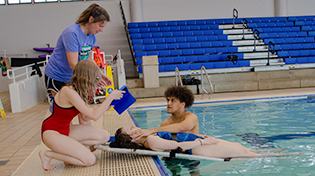 Students in lifeguard training