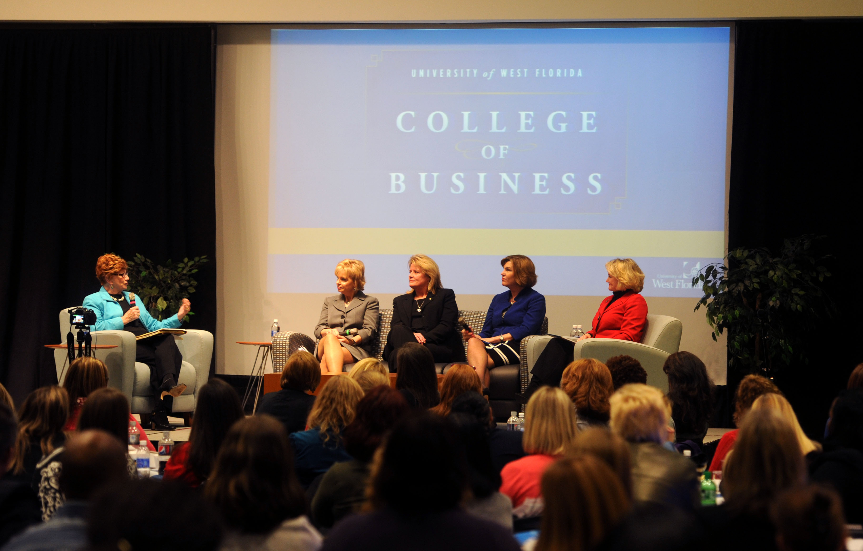 image of 2014 Women in Leadership Conference panel discussion