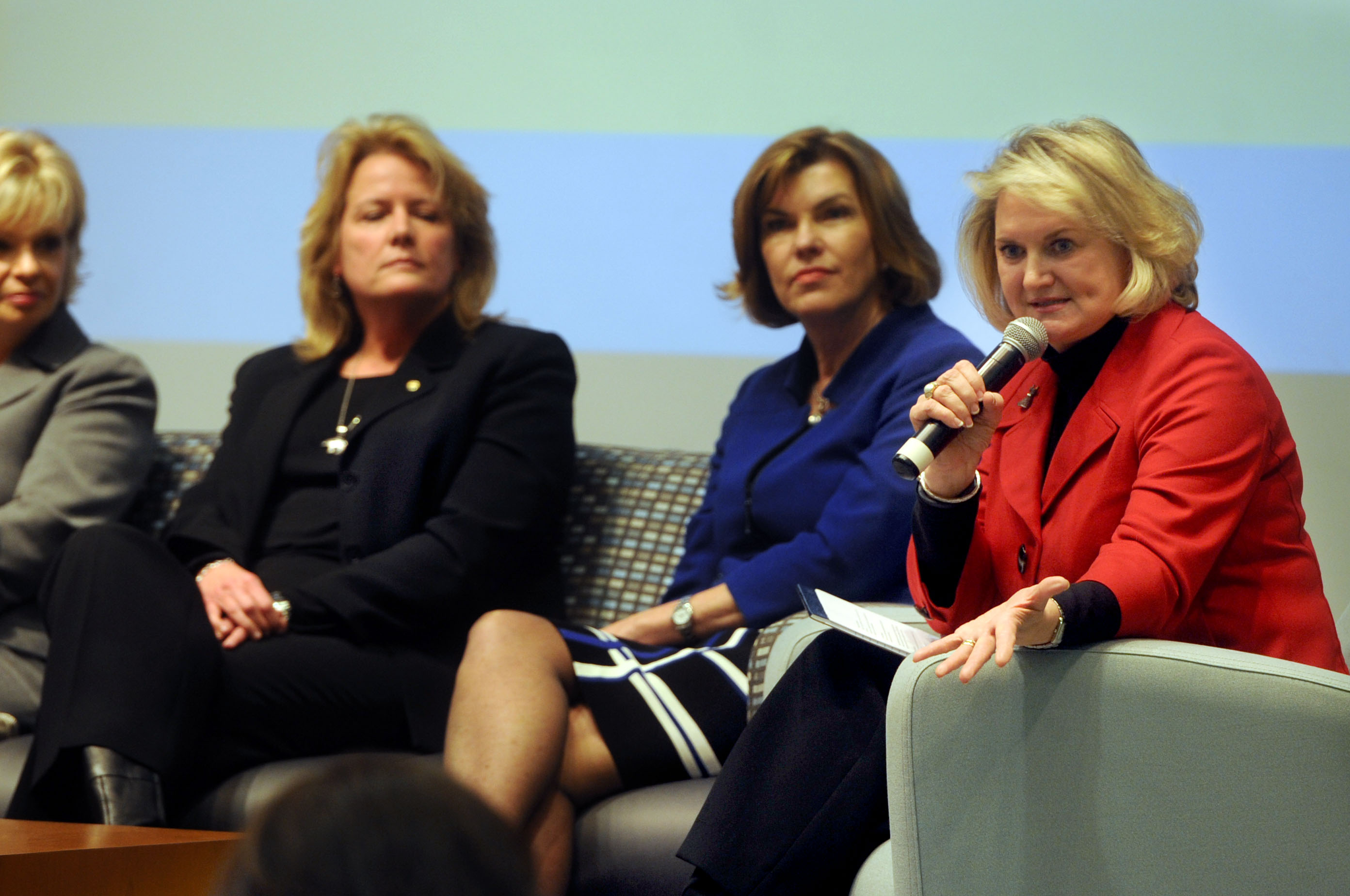 closeup image of 2014 Women in Leadership Conference panel discussion